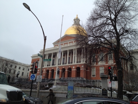 Massachusetts State House: We'll be back (photo: DY)